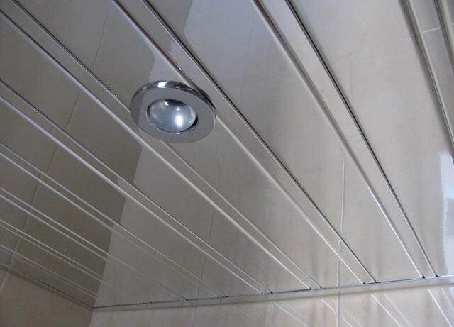 алюминиевые потолки в ванной