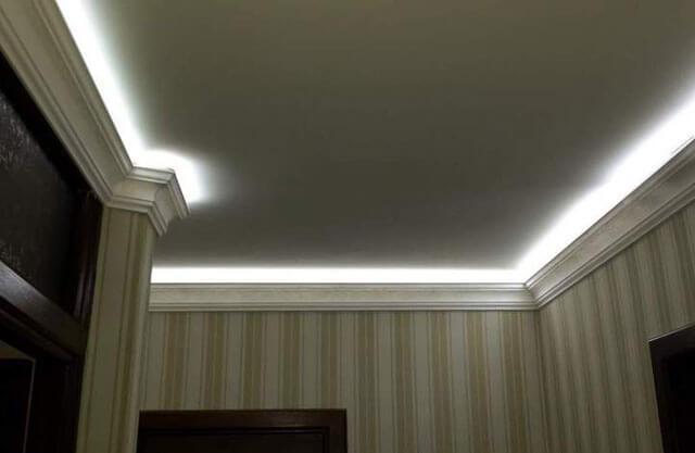 потолочный плинтус с подсветкой своими руками