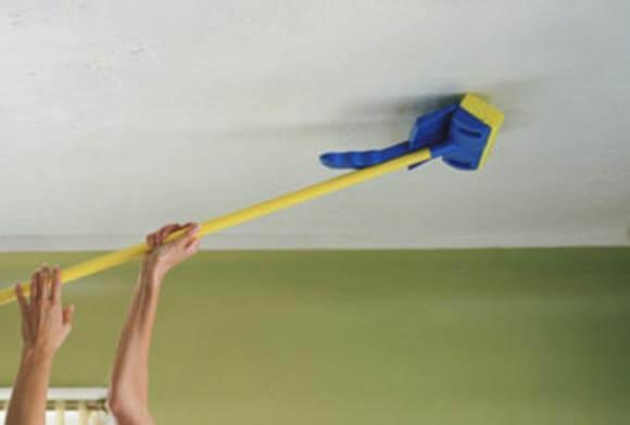 обработка потолка перед побелкой
