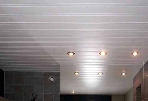 панели реечные для потолка