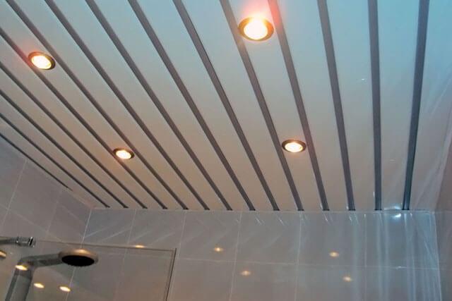 светодиодный светильник в реечный потолок
