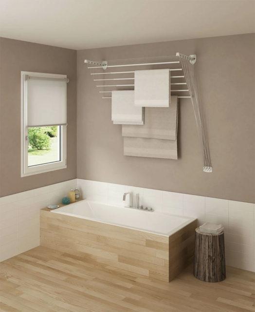 Сушилка над ванной