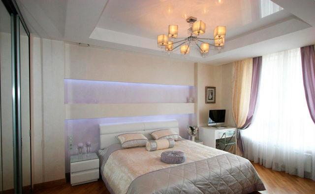 Двухуровневый потолок по периметру спальни