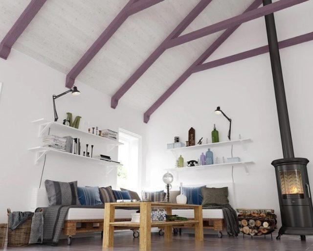 Фиолетовые брусья в интерьере