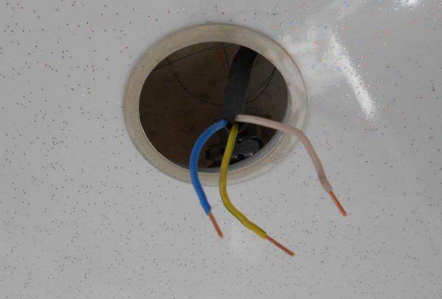 Проводка для светильника