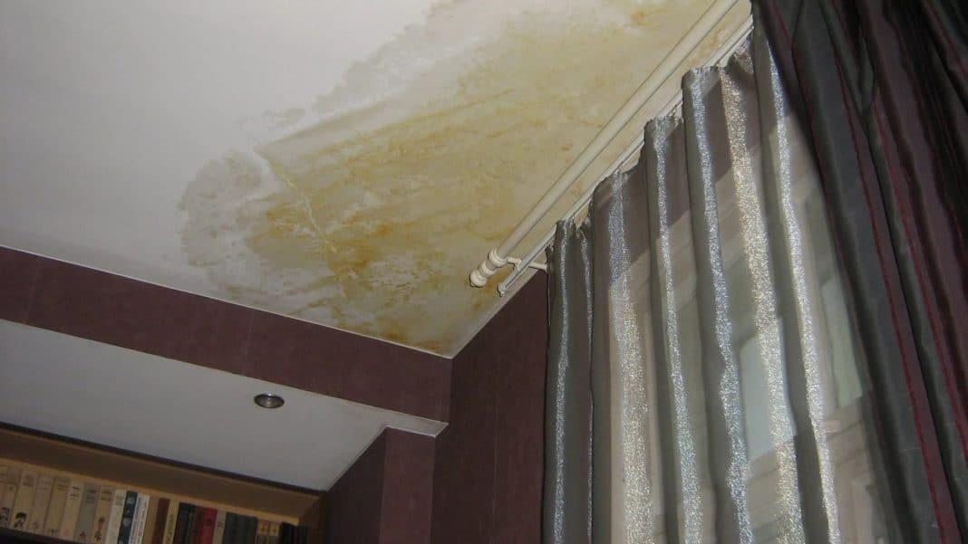 Пятна на потолке после затопления