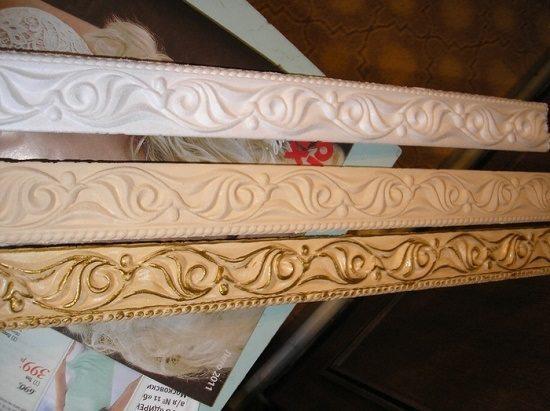 Пример простого и декоративного окрашивания плинтуса