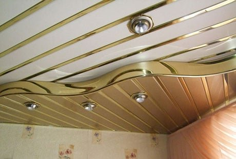 Реечный двухуровневый потолок