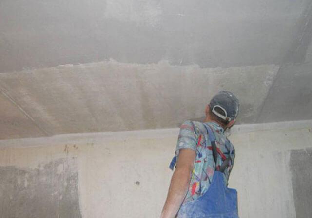 последовательность покраски потолка