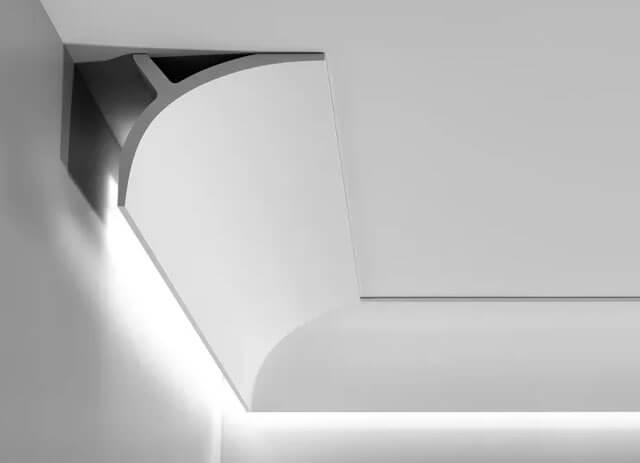 как сделать светодиодную подсветку потолка под плинтусом