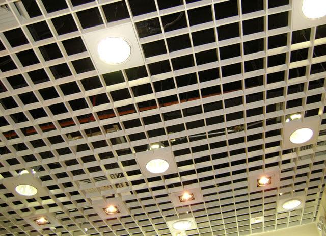 монтаж подвесной потолок Грильято
