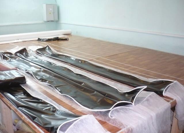 как раскроить натяжной потолок