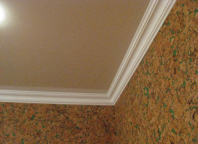 на каком этапе натягивают потолки