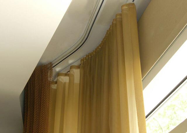 скрытый потолочный карниз и натяжной потолок