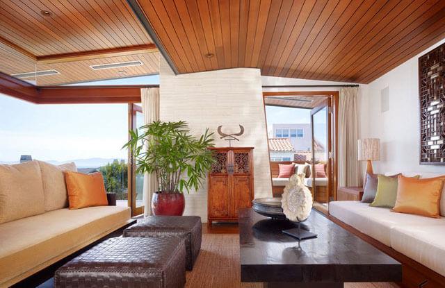 потолок из деревянных панелей