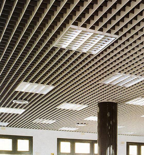 металлический подвесной потолок особенности