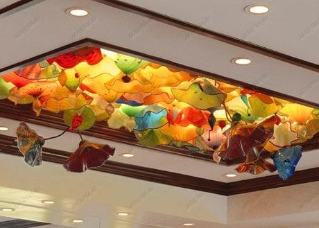Оригинальный цветочный потолок