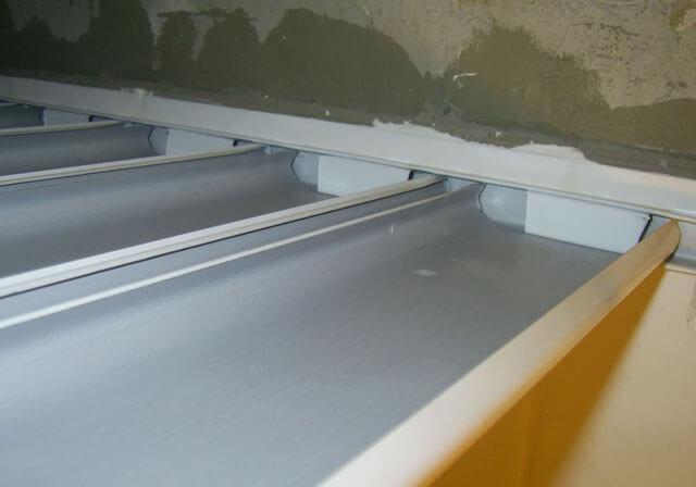 потолки из реечных панелей