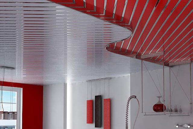 потолок на кухне реечный потолок