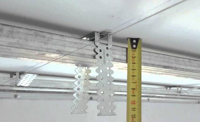 как ставить гипсокартон на потолок