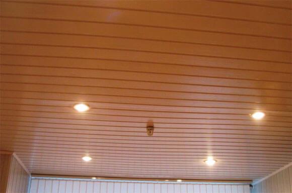 резные деревянные потолки