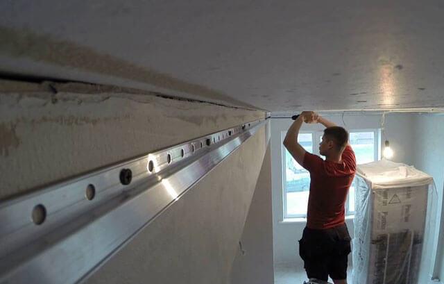 натяжной потолок на гипсокартонные стены