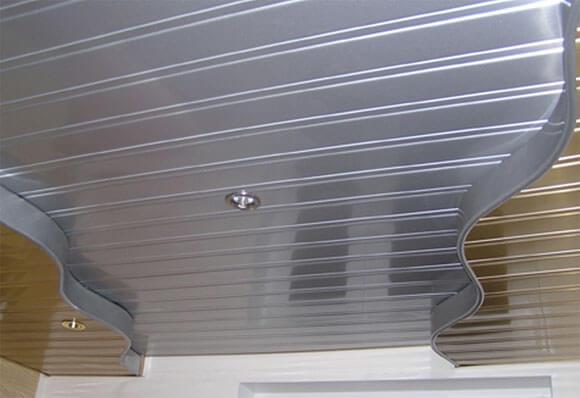 реечный потолок для улицы