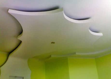 Подвесной потолок сложной конструкции