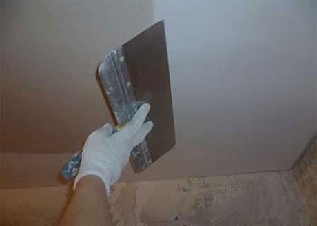 Заделка швов гипсокартонного потолка