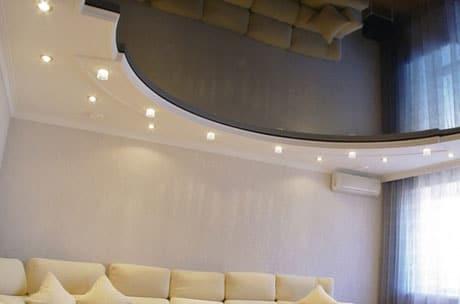 Комбинированный многоуровневый потолок