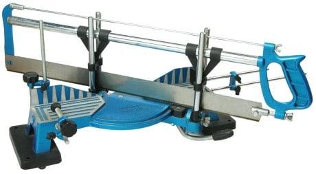 устройство для обрезки плинтуса