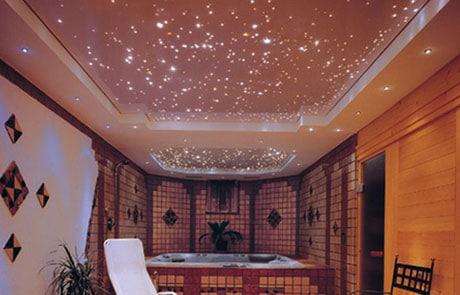 Звездный натяжной потолок в ванной