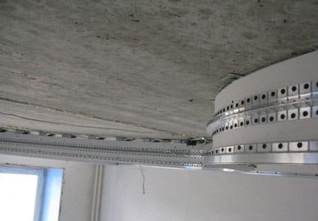Многоуровневая конструкция для навесного потолка