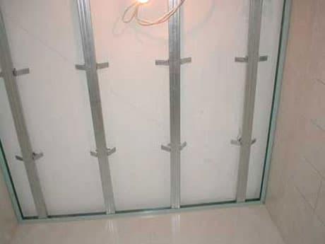 Металлический каркас под панельный потолок
