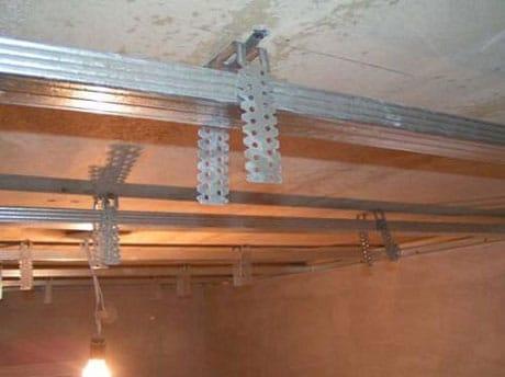 Продольные и поперечные профили каркаса подвесного потолка