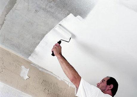 Окрашивание потолка водоэмульсионкой