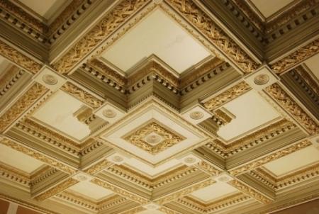 Кессонный гипсовый потолок