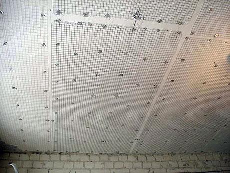 Армирование сеткой потолка