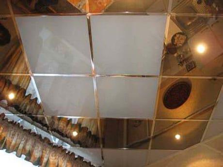 Зеркальные и матовые потолочные плиты