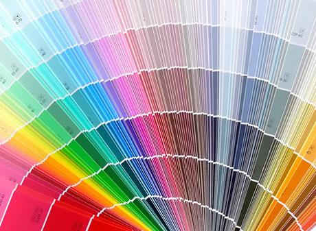 Разнообразие оттенков краски для потолка