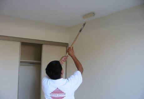 Подготовка потолка перед нанесением обоев