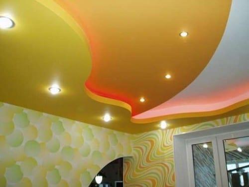 Красивый цвет потолка