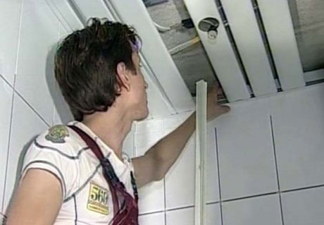 Отверстия под светильники на подвесной потолок