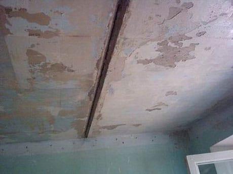 Потолок перед ремонтом