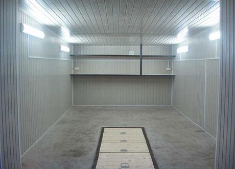 Потолок из пластика в гараже