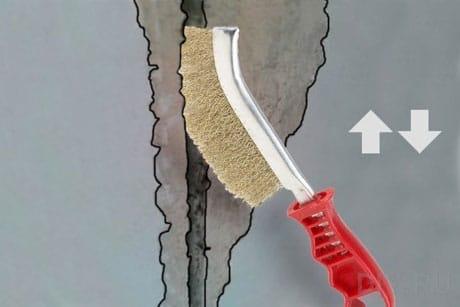 Зачистка трещины на потолке