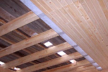 Утепленный потолок в деревянной доме