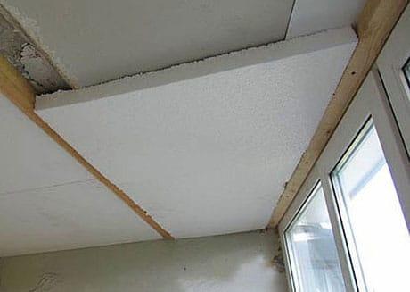 Монтаж пенопласта для утепления потолка