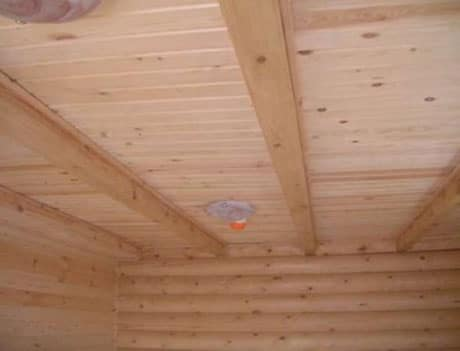 Обшивка вагонкой утепленного потолка