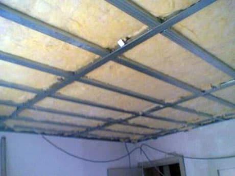 Утепление потолка в комнате